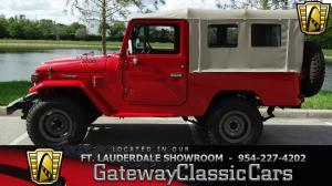 1976 Toyota<br/>Land Cruiser