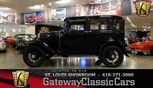 1930 FordUK built factory sunroof - Stock 6914 - Saint Louis