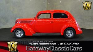 1937 Ford<br/>Slantback