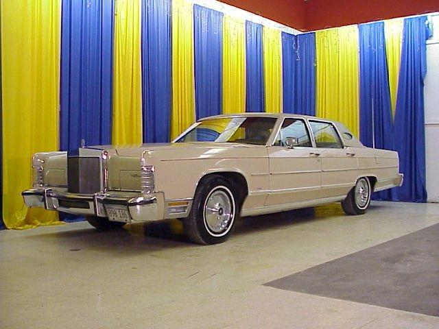 1979 LINCOLN CONTINENTAL TOWN CAR  - Stock #1327-STL