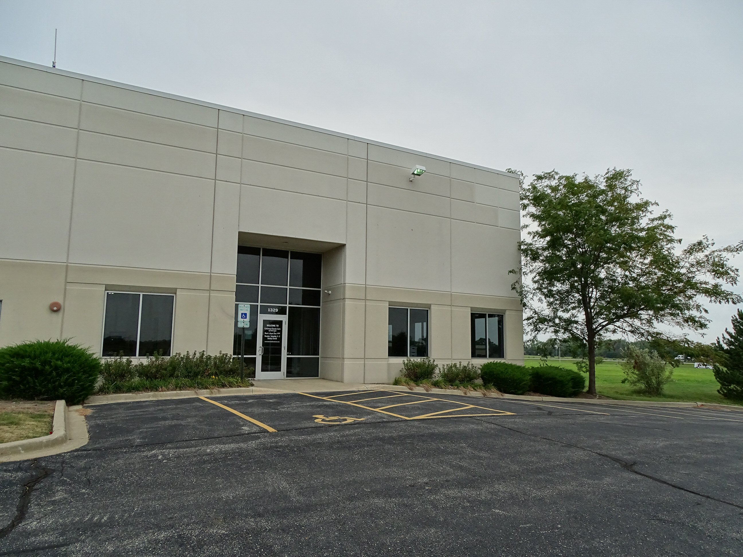 Chicago Showroom Contact | Gateway Classic Cars