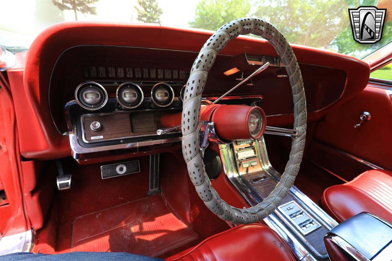 1965 Ford Thunderbird 16