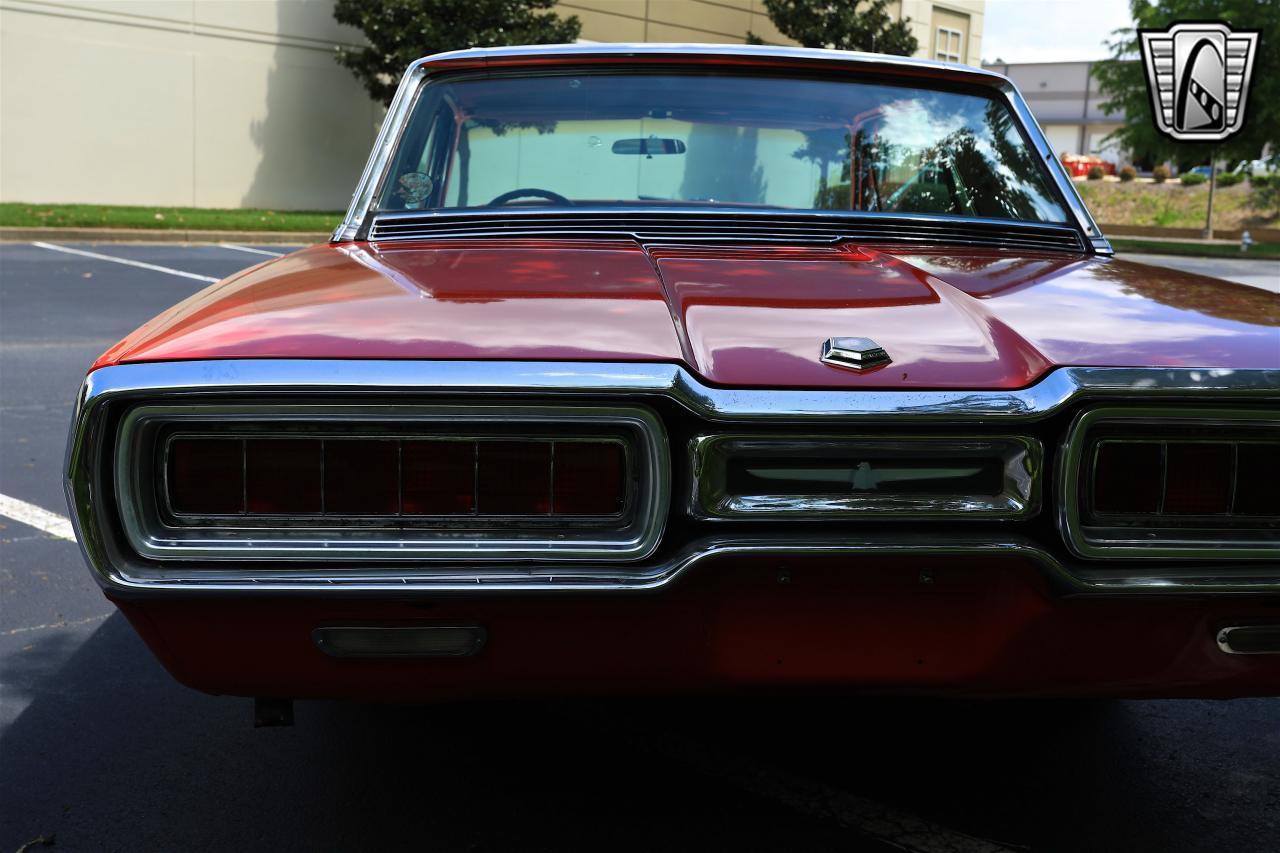 1965 Ford Thunderbird 19