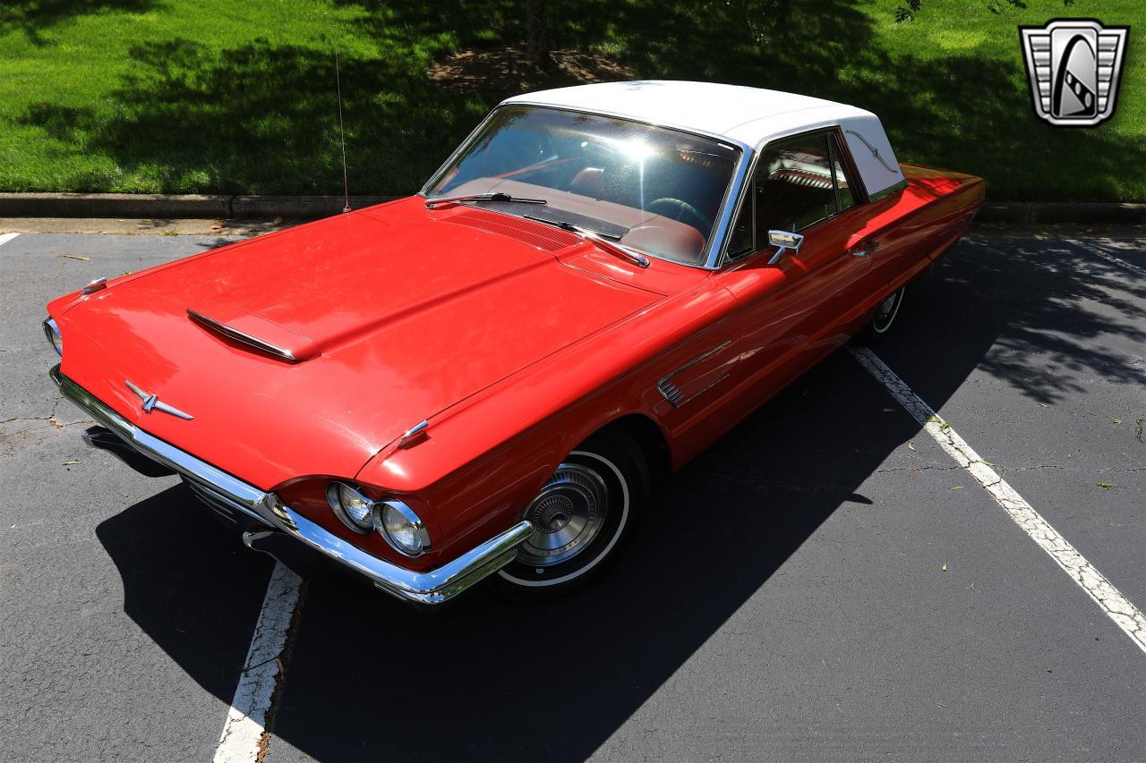 1965 Ford Thunderbird 37