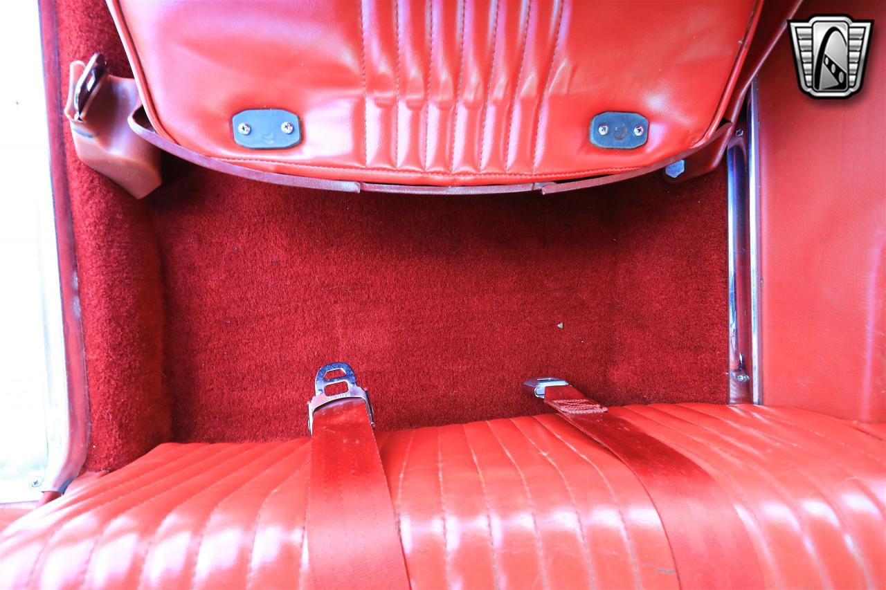 1965 Ford Thunderbird 39