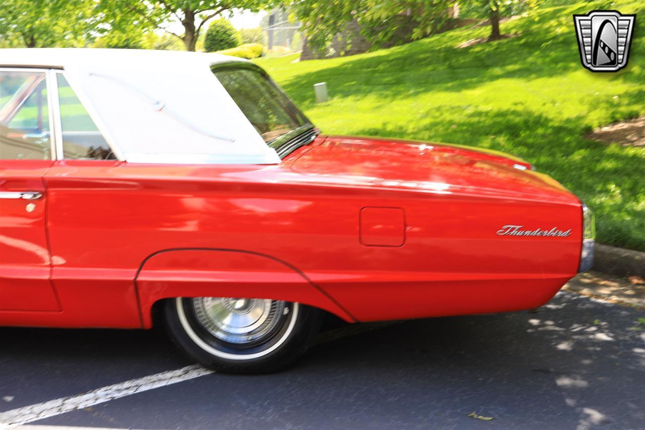 1965 Ford Thunderbird 42