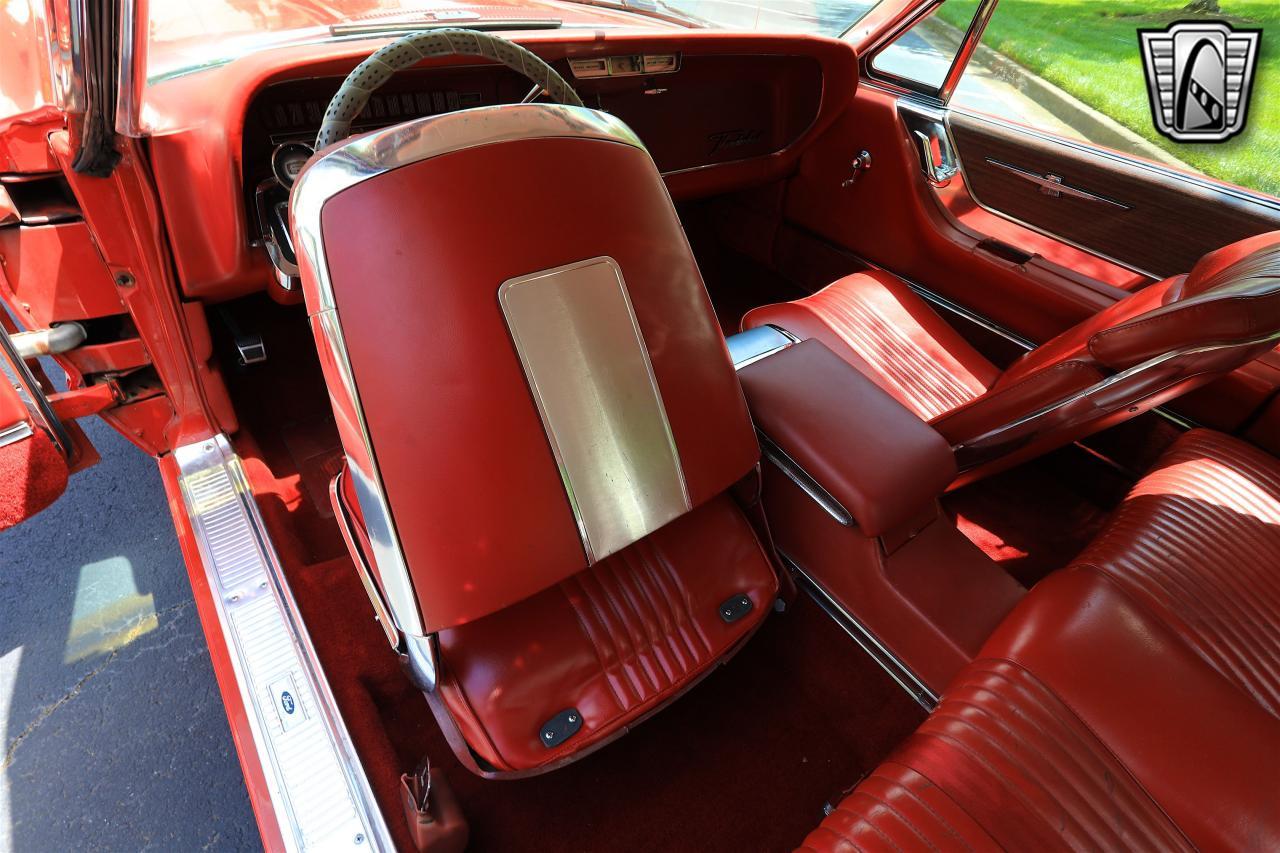 1965 Ford Thunderbird 43