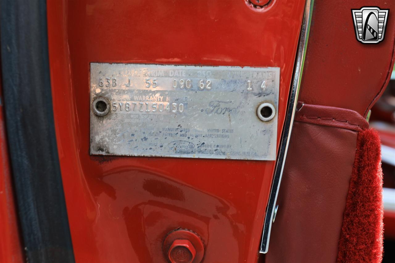 1965 Ford Thunderbird 48