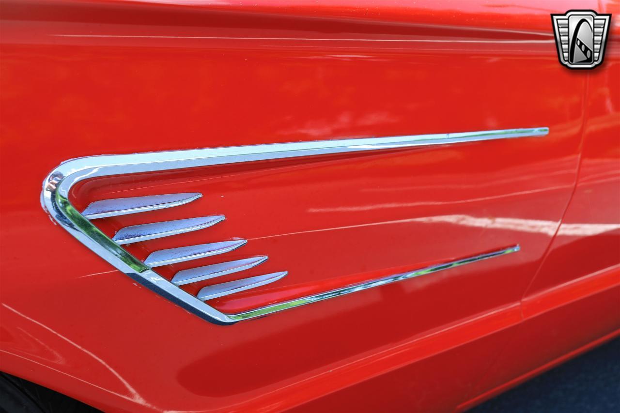 1965 Ford Thunderbird 72
