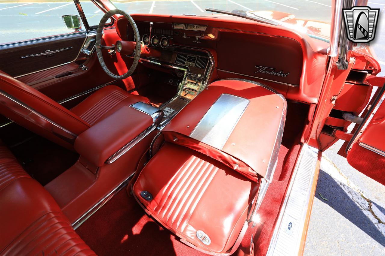 1965 Ford Thunderbird 77