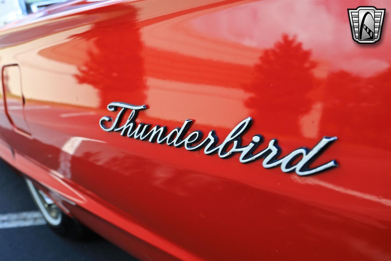 1965 Ford Thunderbird 80