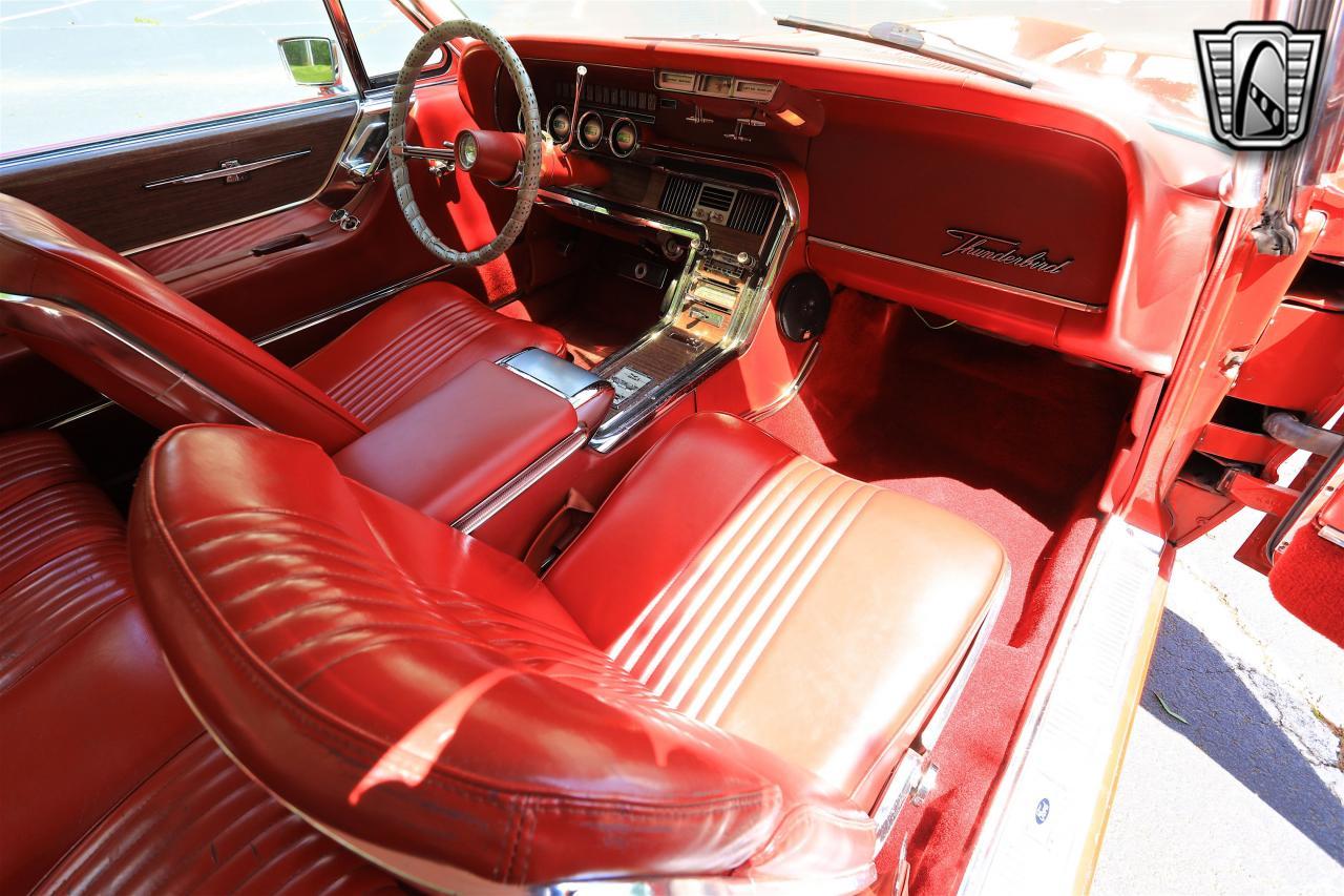 1965 Ford Thunderbird 81