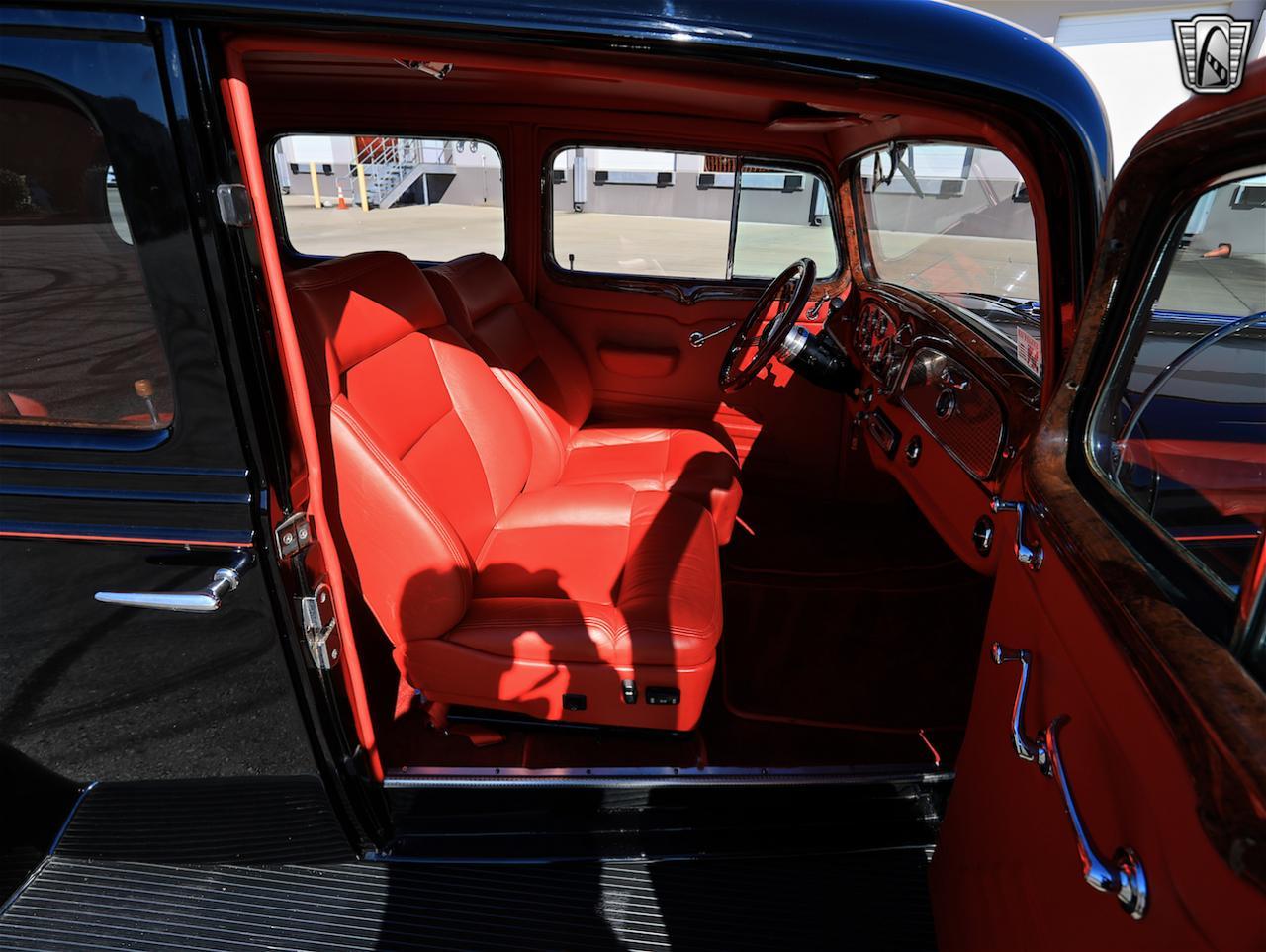 1934 Buick Model 90L 60