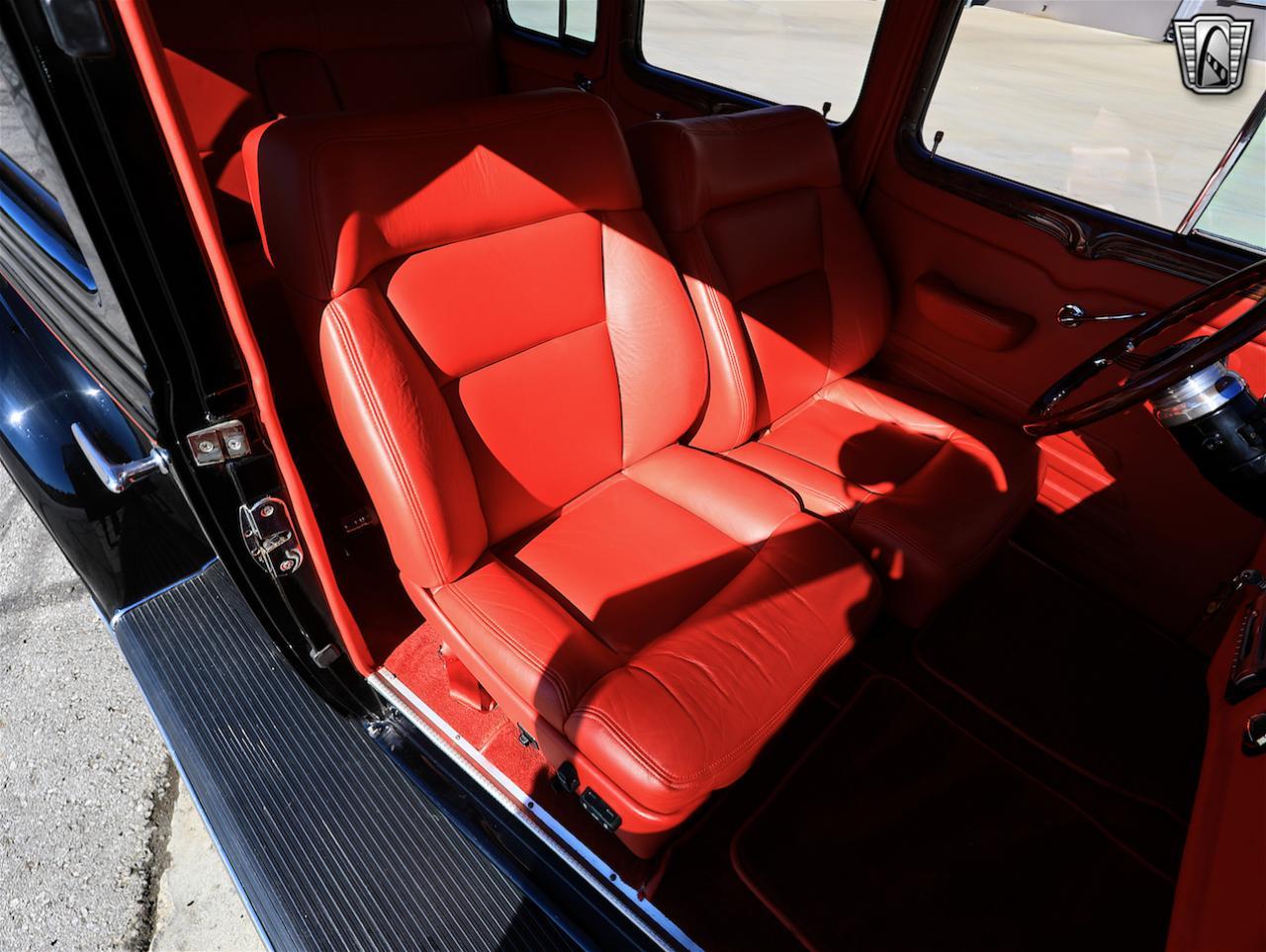 1934 Buick Model 90L 61