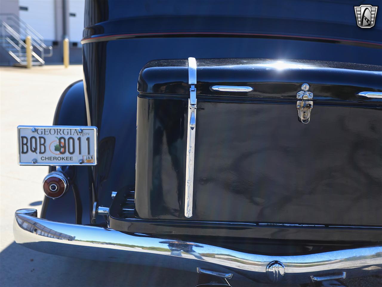 1934 Buick Model 90L 23