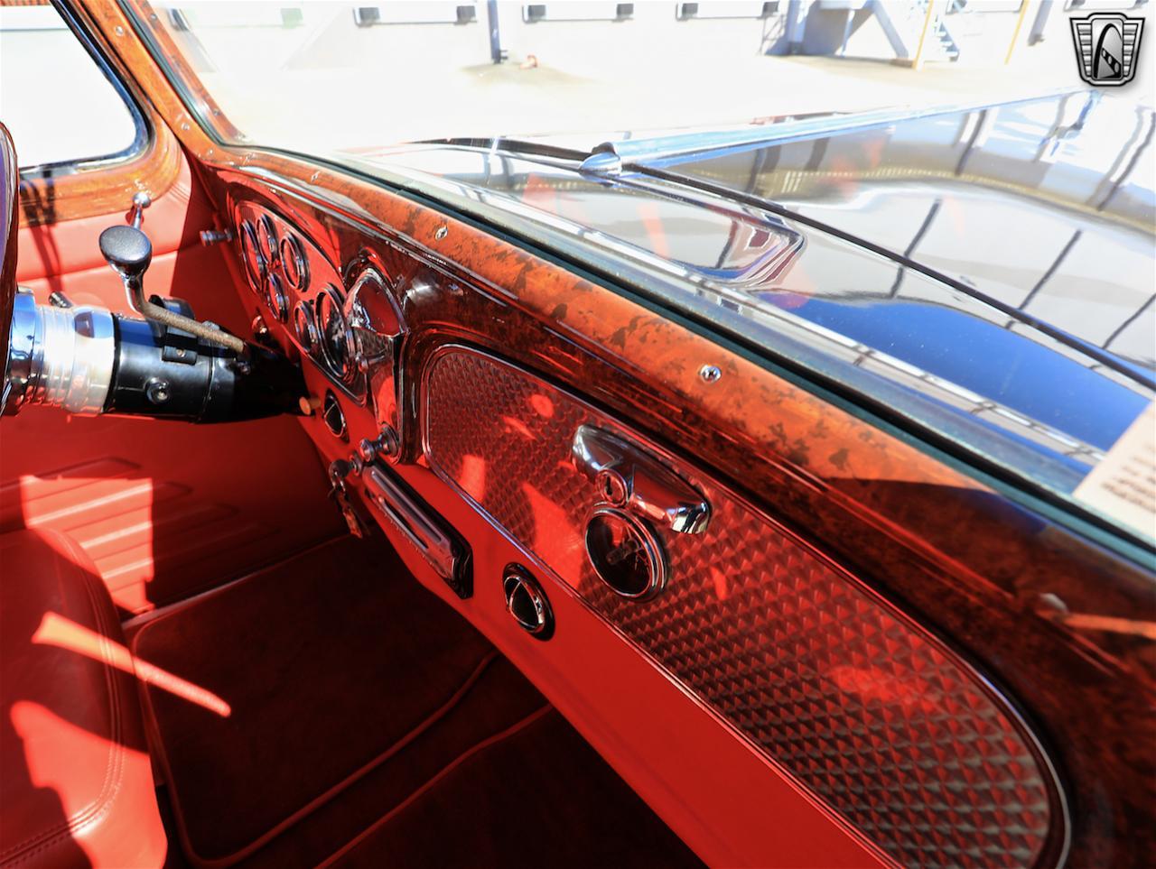 1934 Buick Model 90L 64