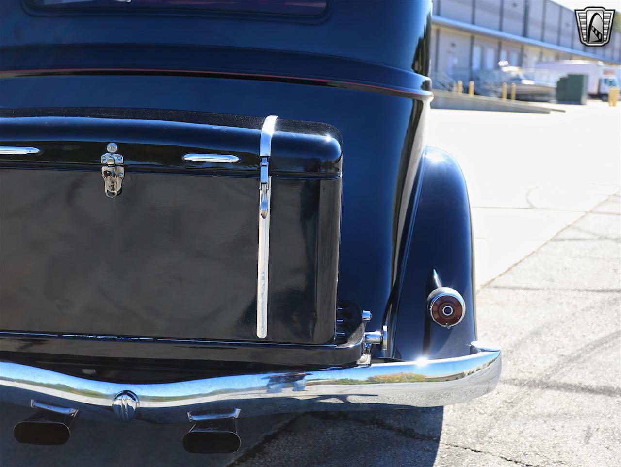 1934 Buick Model 90L 25