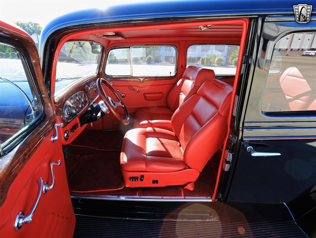 1934 Buick Model 90L 85