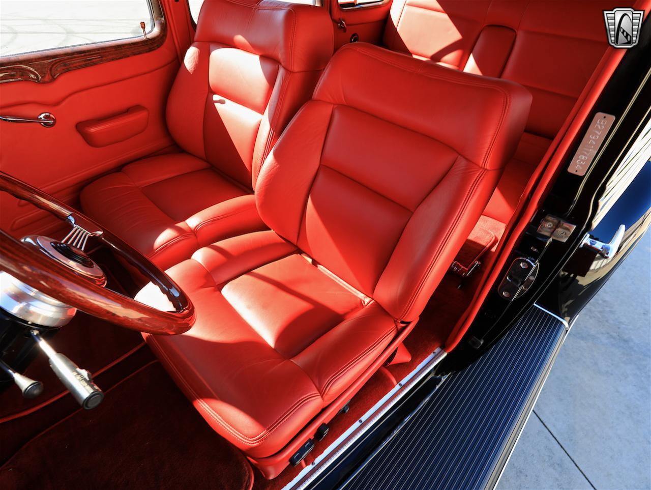 1934 Buick Model 90L 87