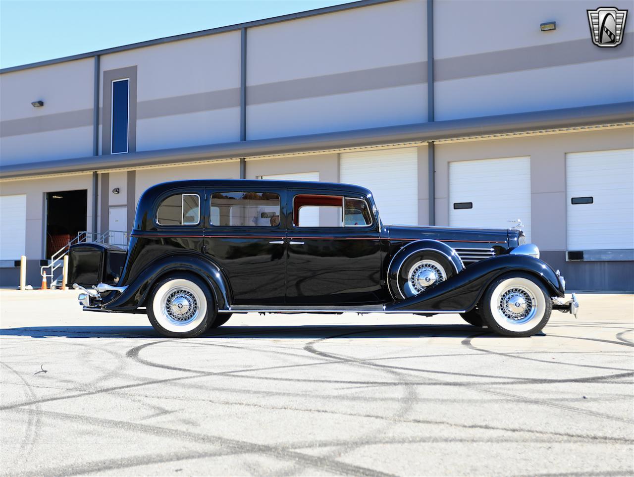 1934 Buick Model 90L 12