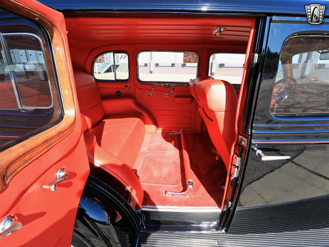 1934 Buick Model 90L 53