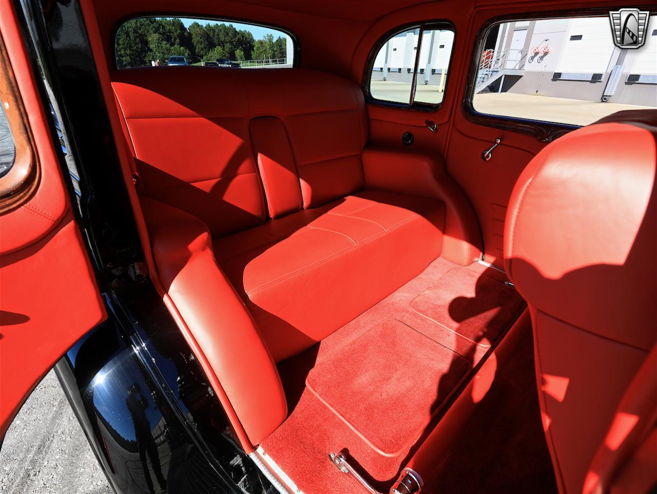 1934 Buick Model 90L 54