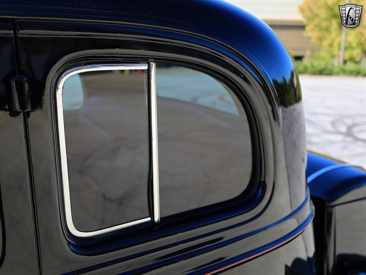 1934 Buick Model 90L 38