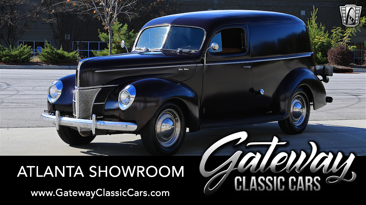 https://images.gatewayclassiccars.com/carpics/ATL/1320/1940-Ford-Deluxe.jpg