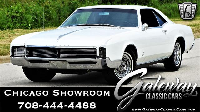 1966 Buick Riviera<br><span style='font-size: large; font-style: italic'><b>  </b></span>
