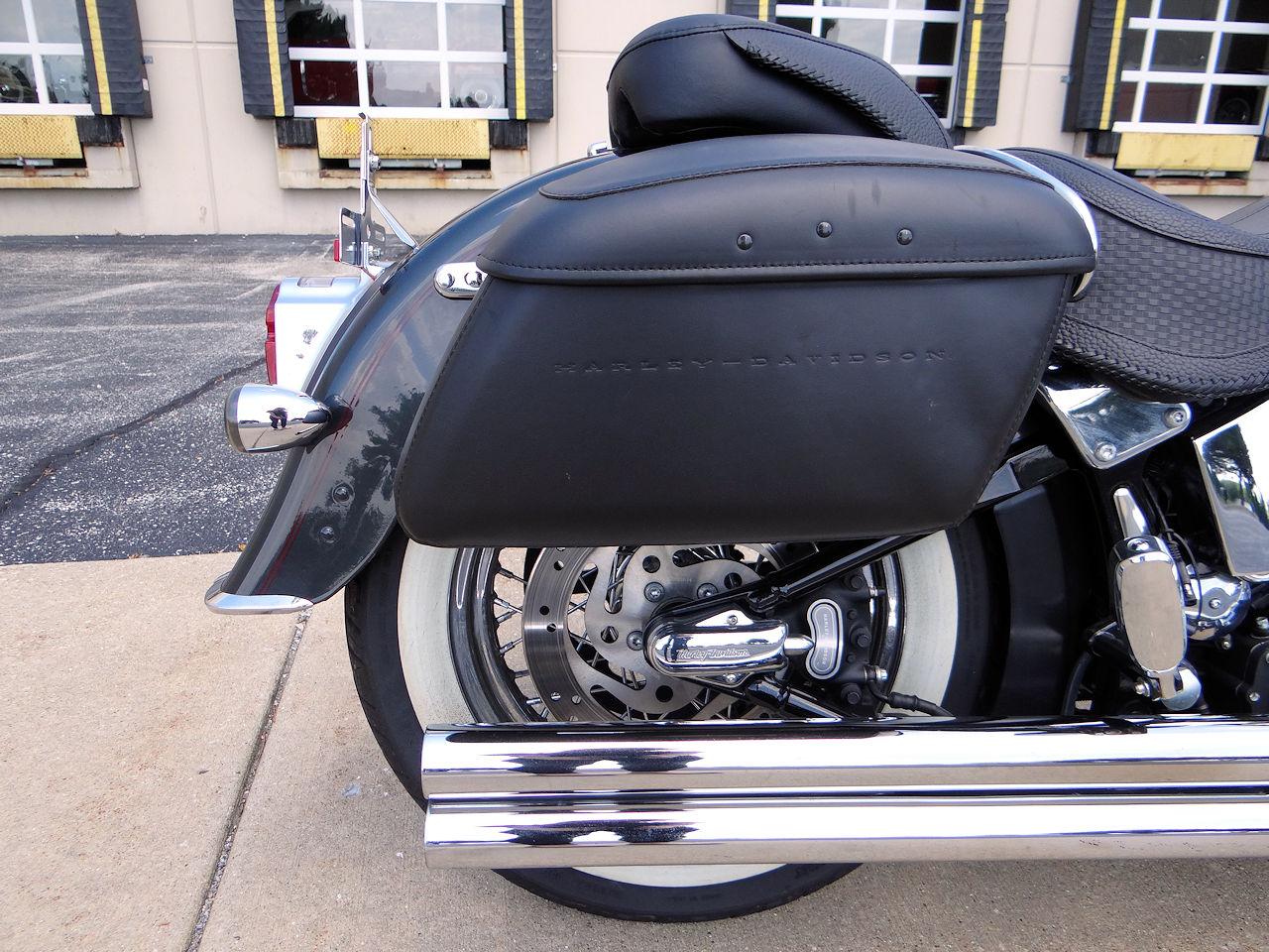 2006 Harley Davidson FLSTNI 44