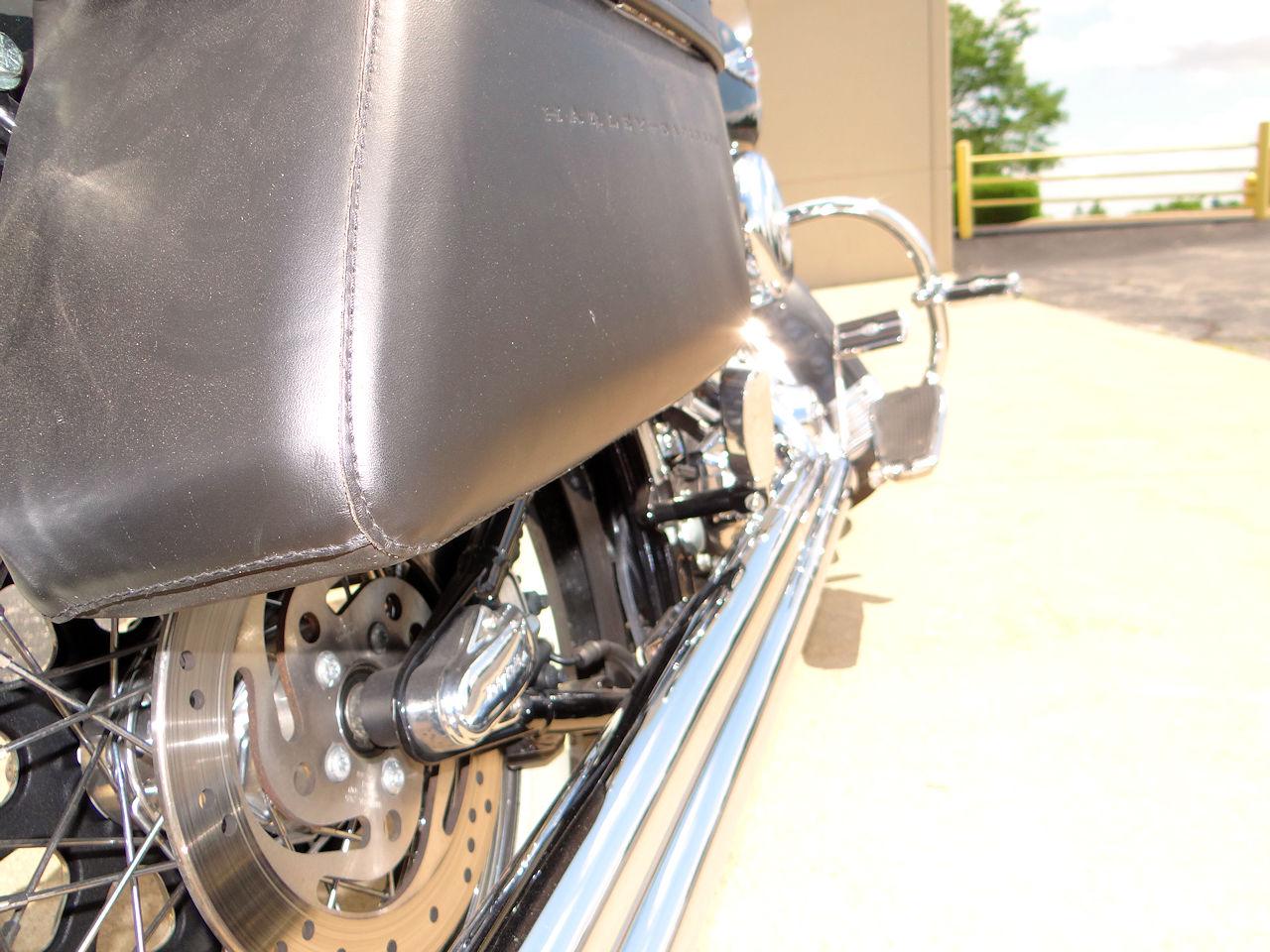 2006 Harley Davidson FLSTNI 6