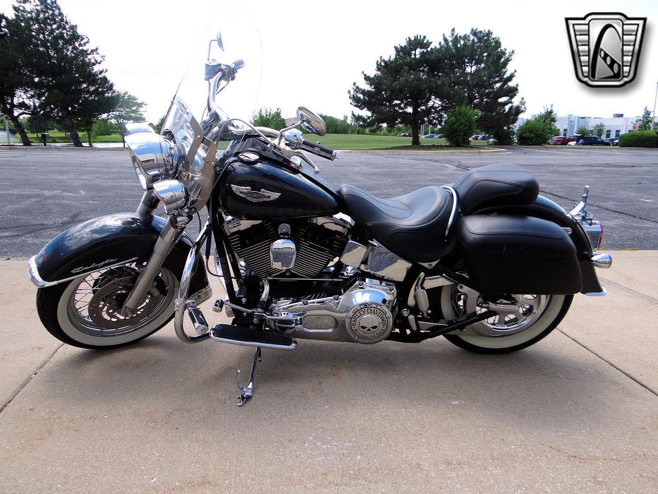 2006 Harley Davidson FLSTNI 26
