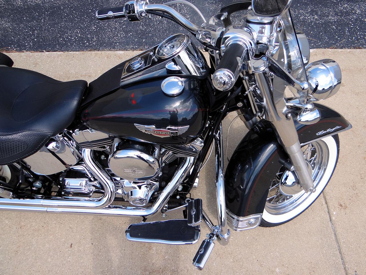 2006 Harley Davidson FLSTNI 52