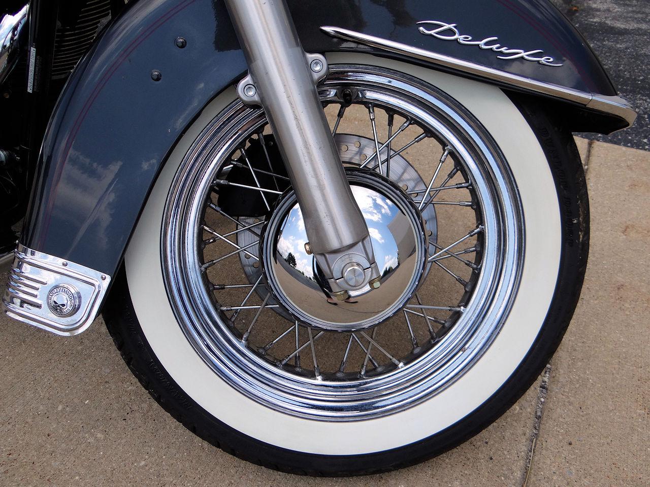2006 Harley Davidson FLSTNI 11