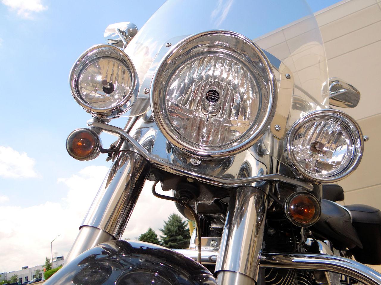 2006 Harley Davidson FLSTNI 13