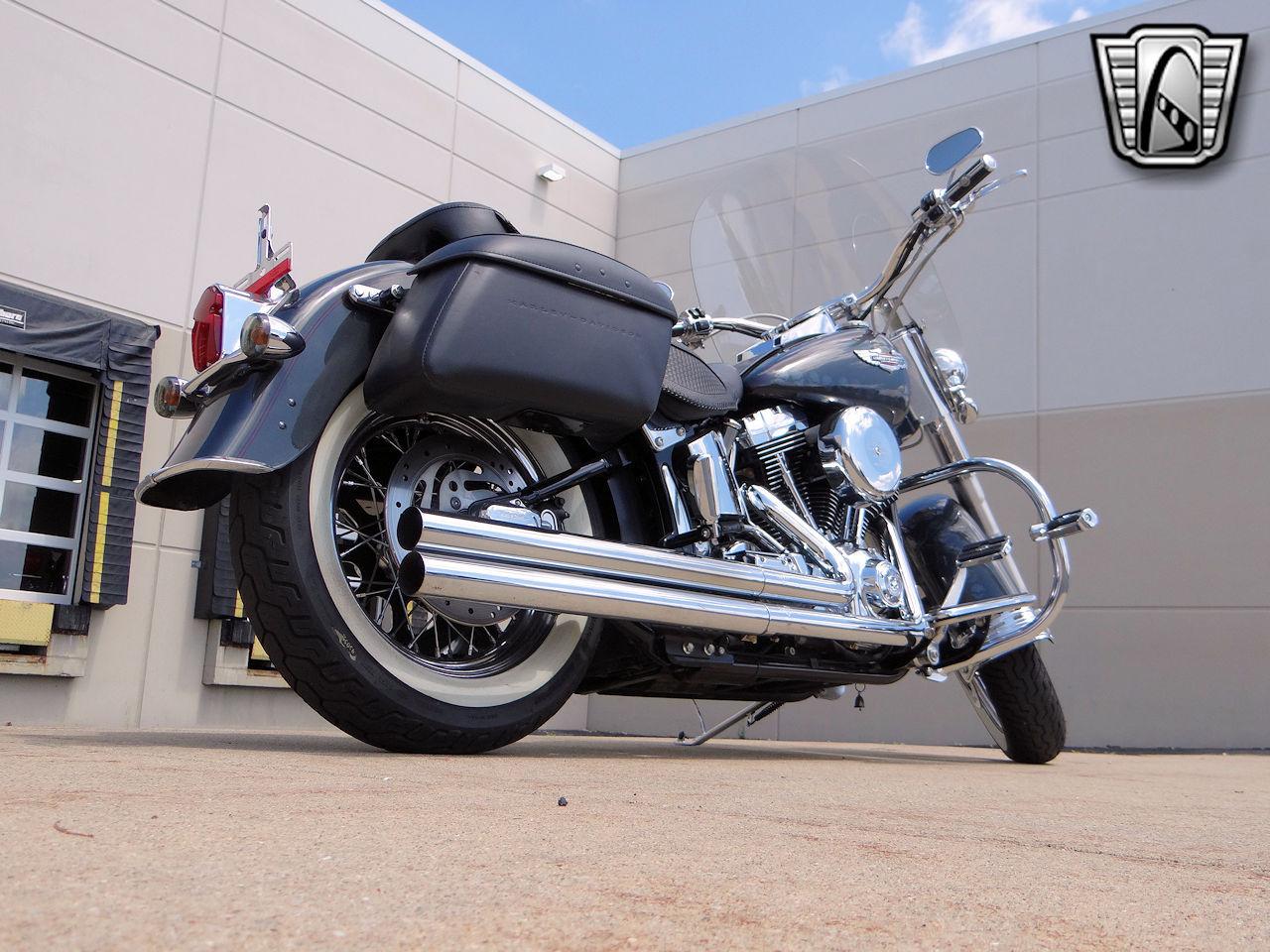 2006 Harley Davidson FLSTNI 34