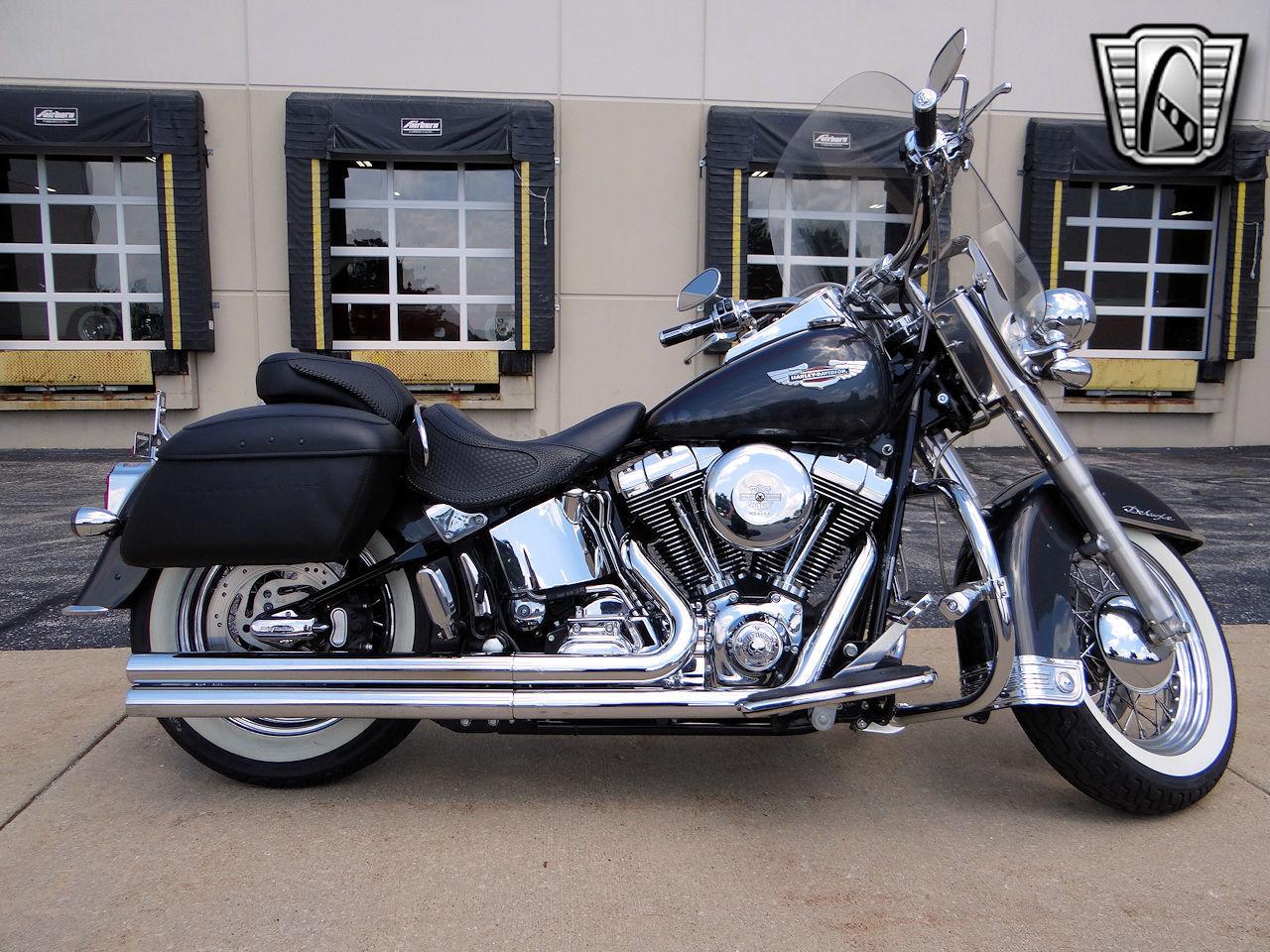 2006 Harley Davidson FLSTNI 36