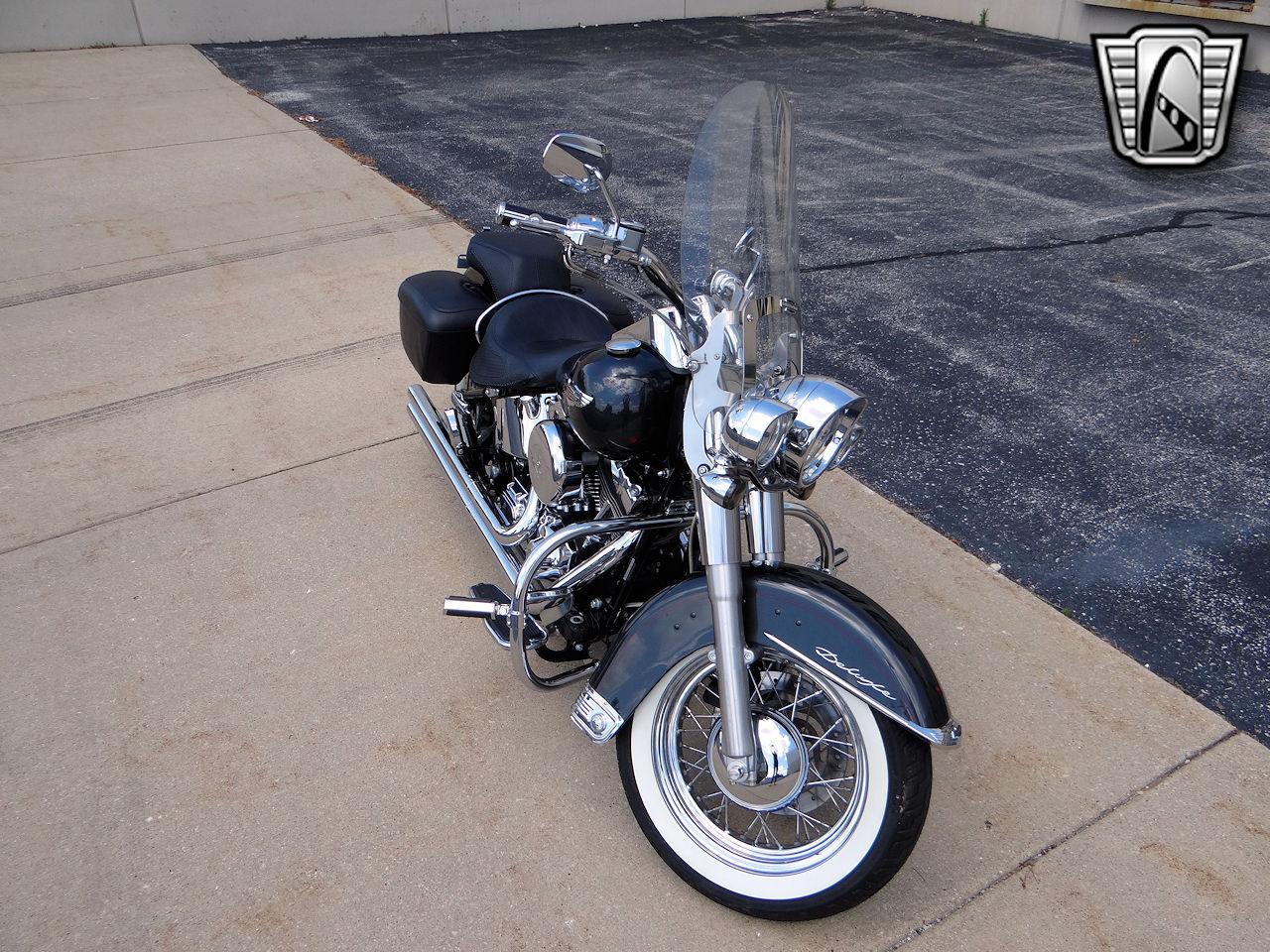 2006 Harley Davidson FLSTNI 38