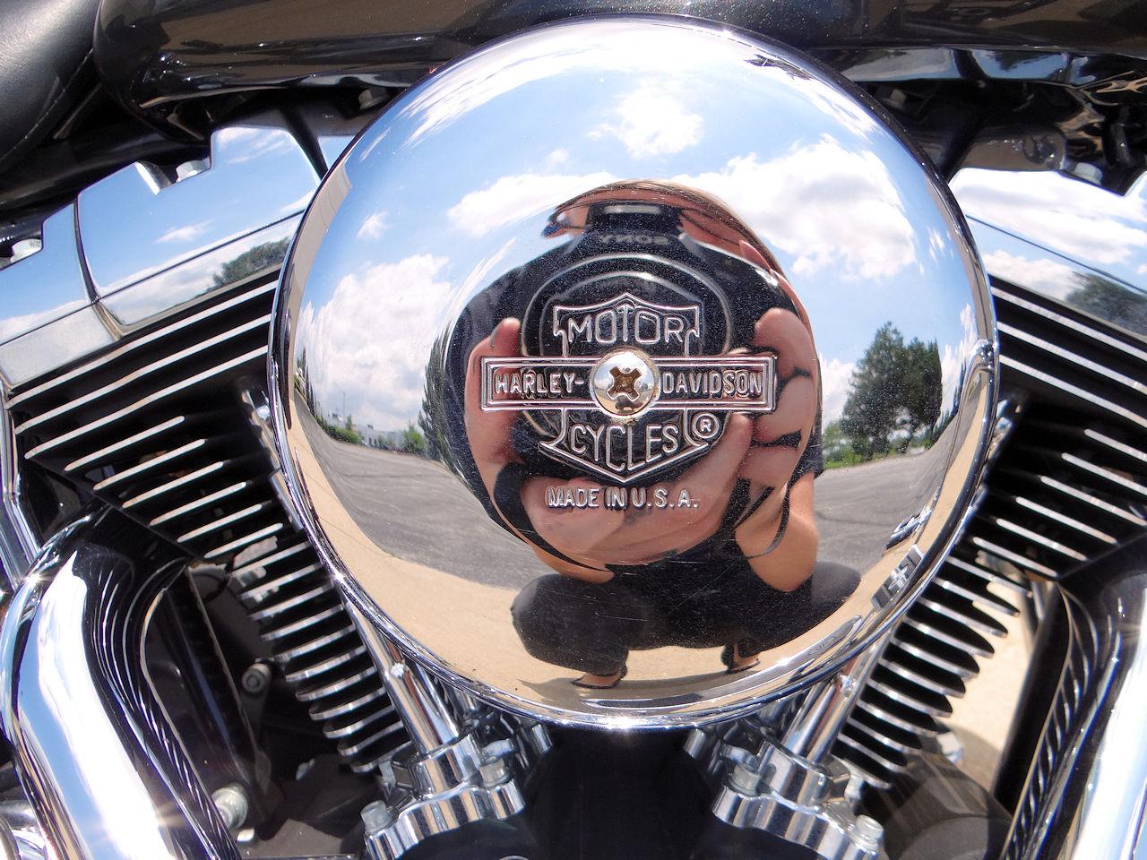 2006 Harley Davidson FLSTNI 82