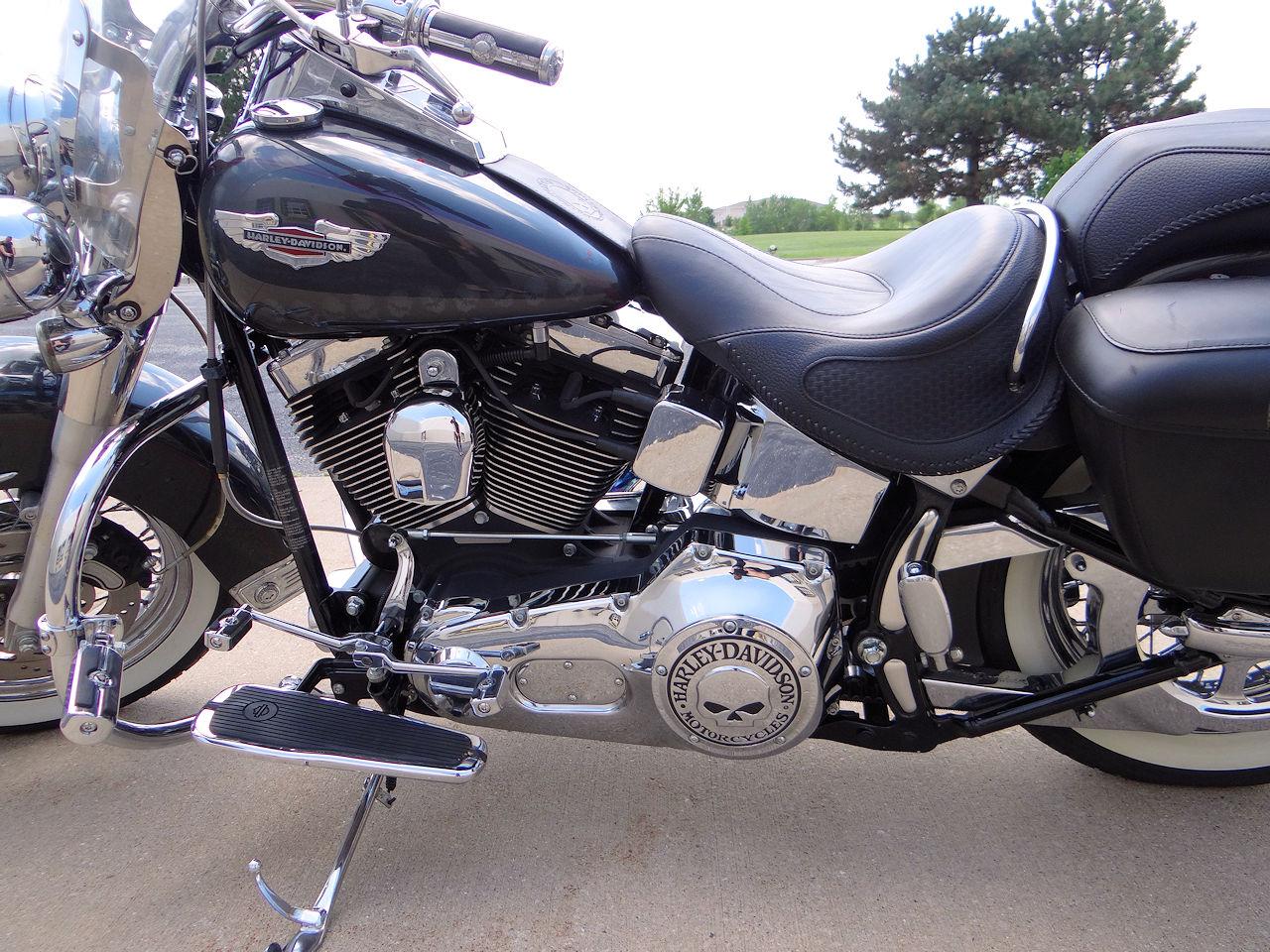 2006 Harley Davidson FLSTNI 41