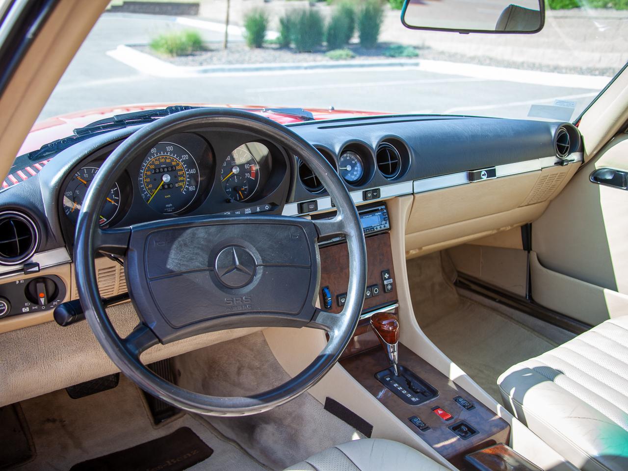 1989 Mercedes-Benz 560SL 3