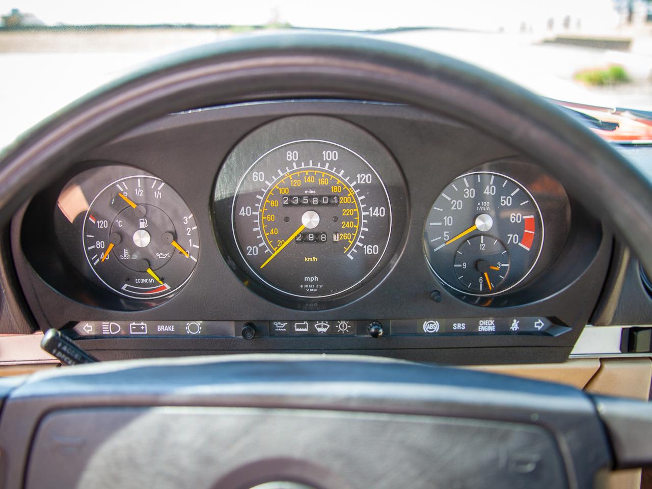 1989 Mercedes-Benz 560SL 9