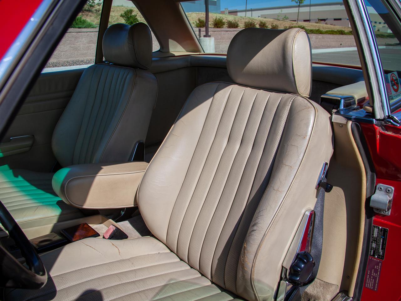 1989 Mercedes-Benz 560SL 16