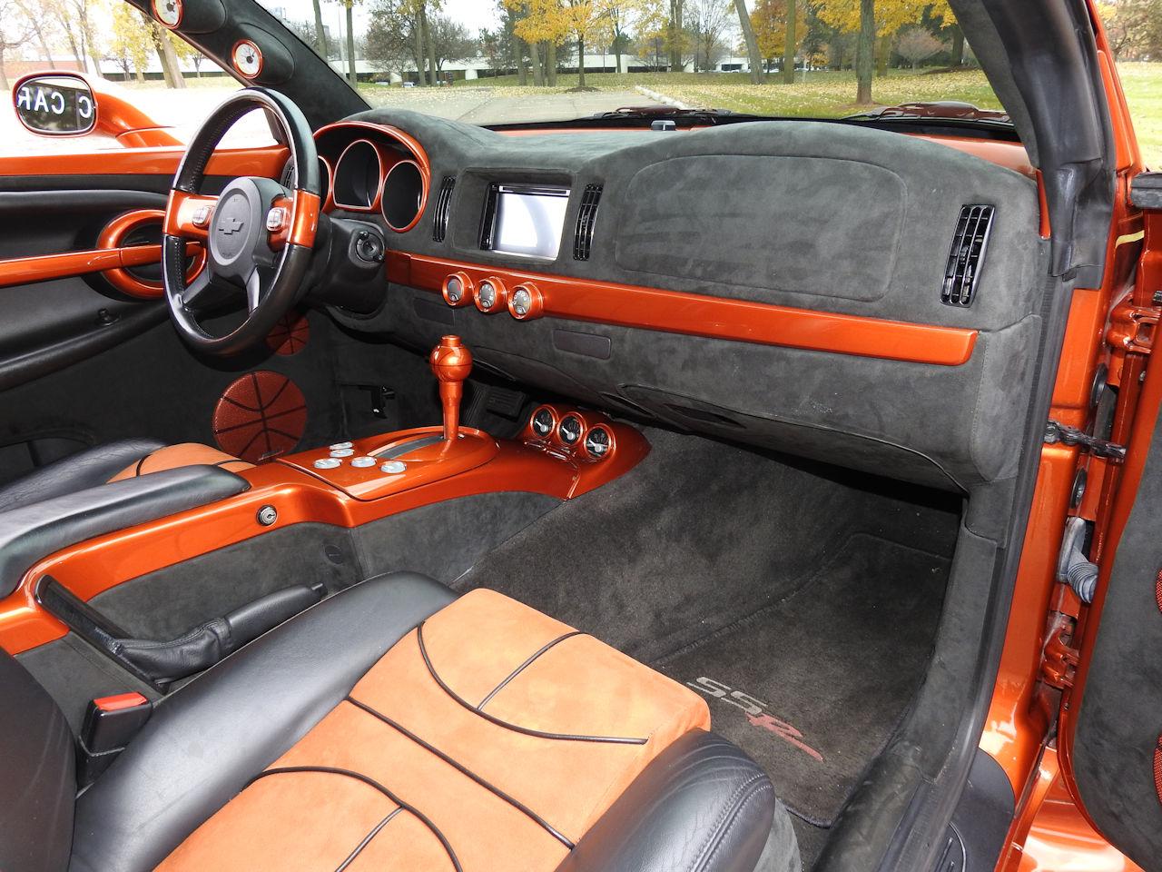 2003 Chevrolet SSR 31