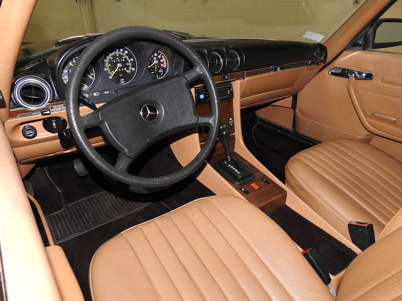 1982 Mercedes-Benz 380SL 41