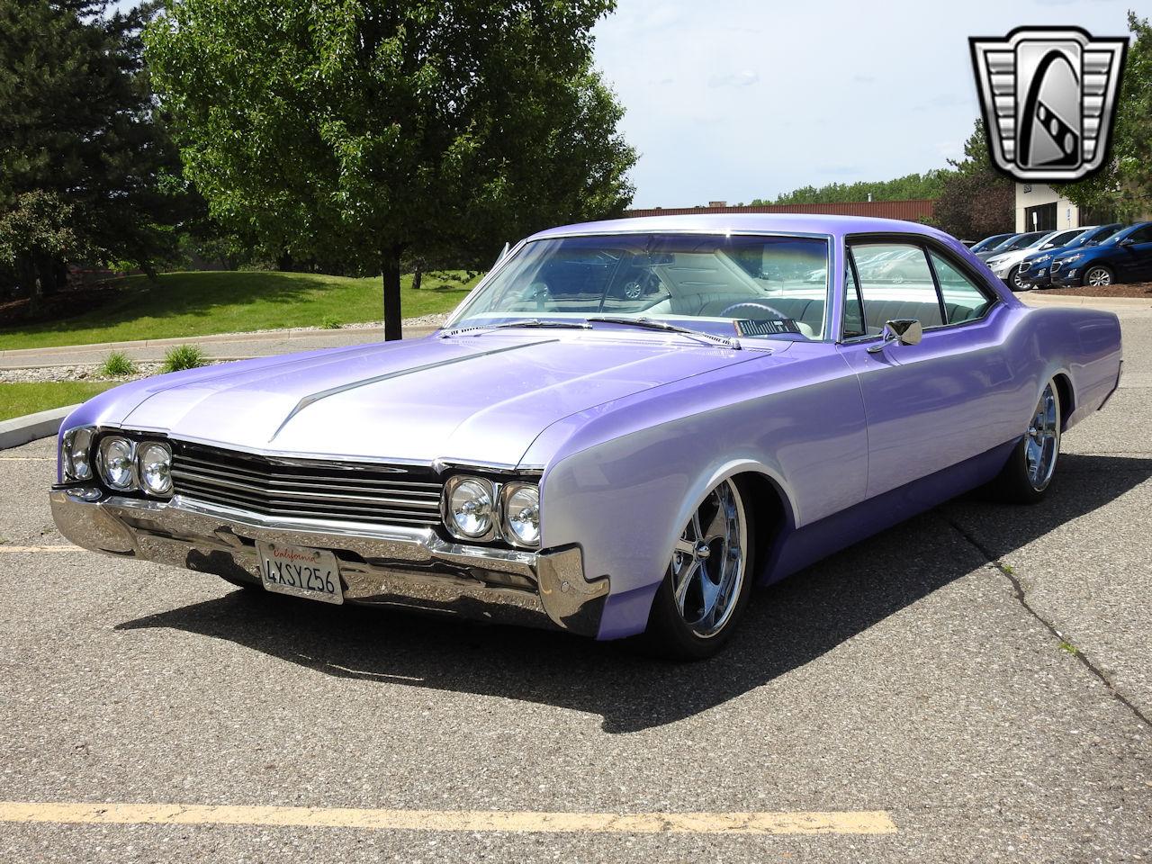 1966 Oldsmobile Dynamic 88 23