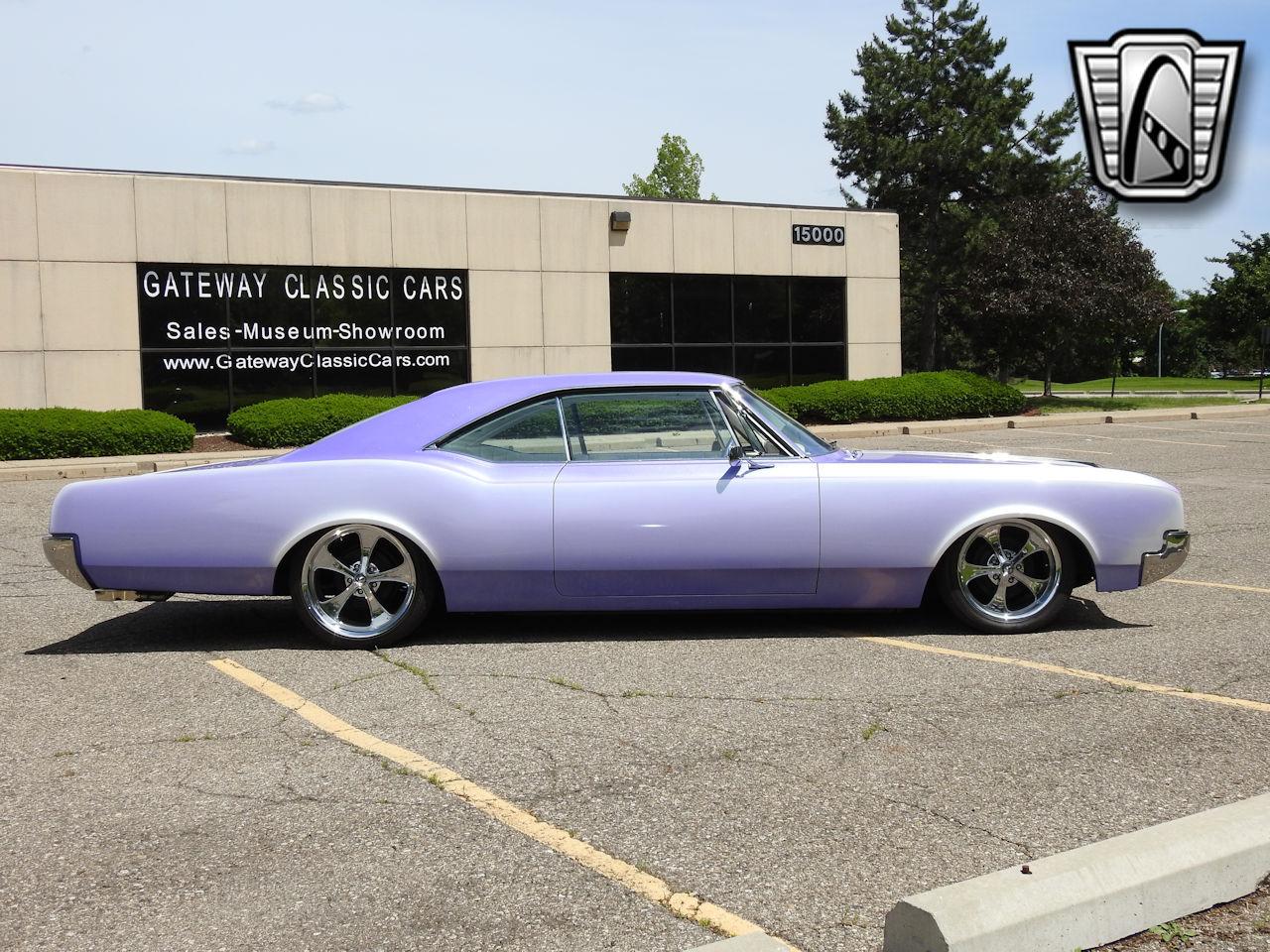 1966 Oldsmobile Dynamic 88 37