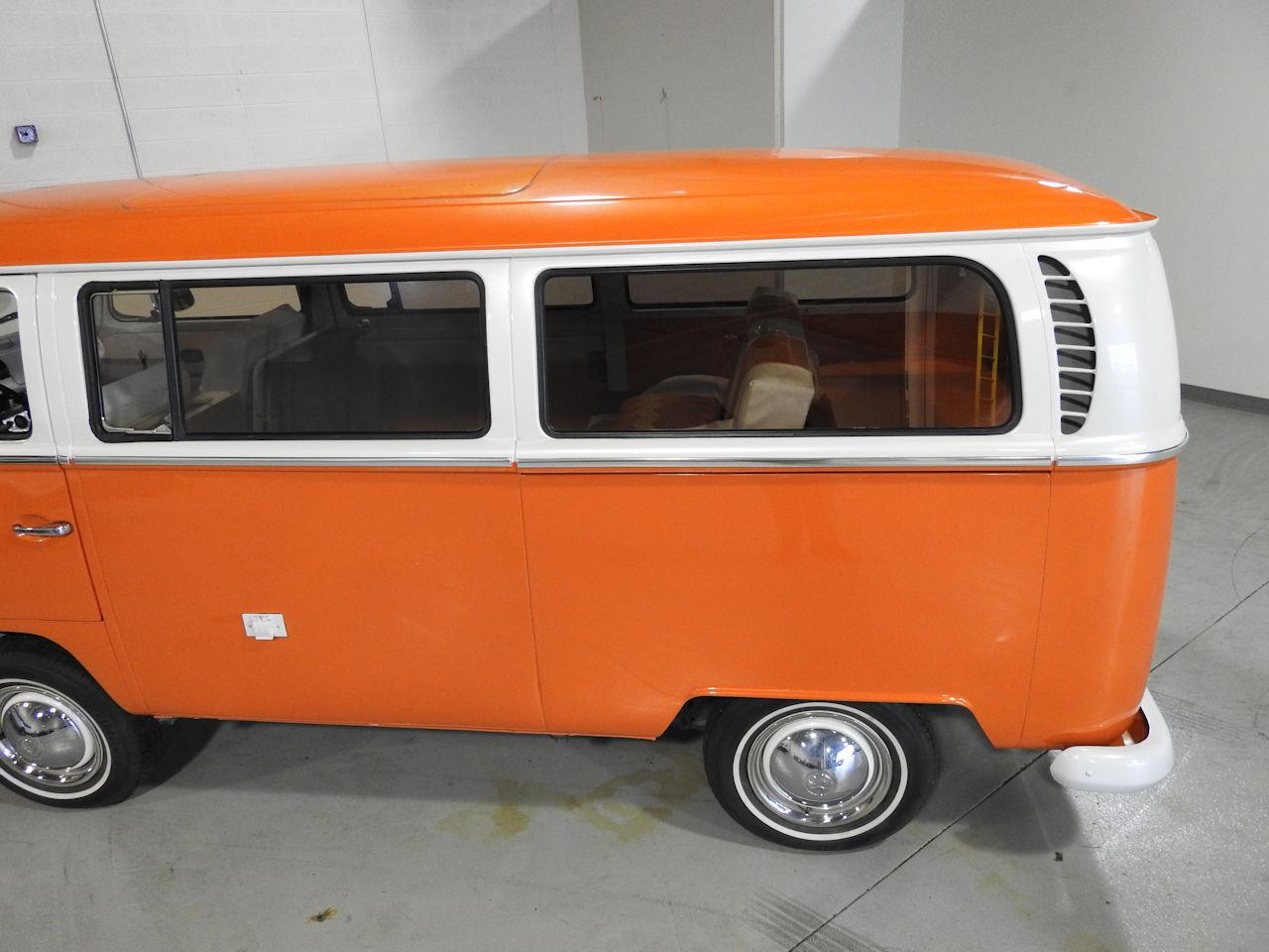 1969 Volkswagen Weekender 22