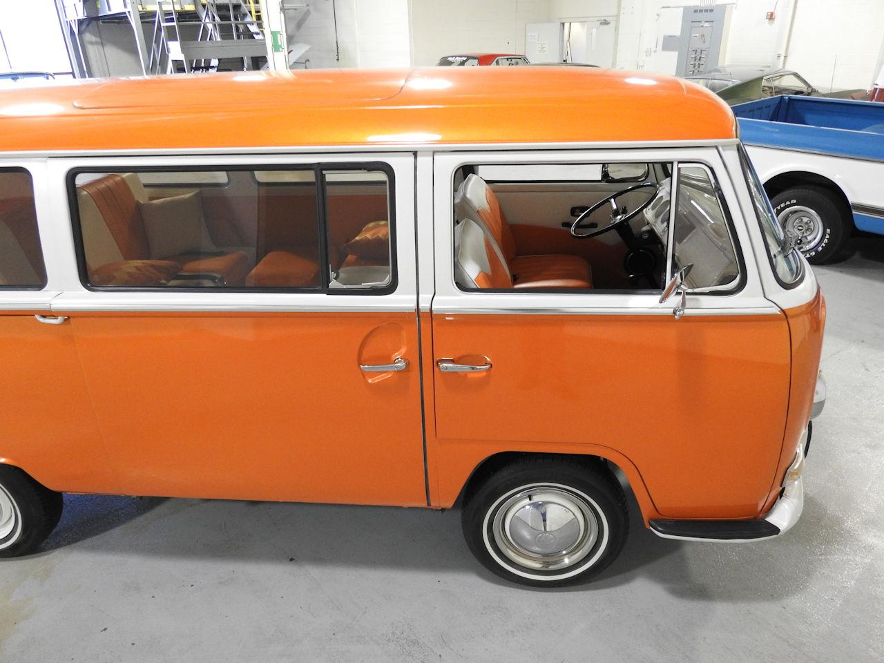 1969 Volkswagen Weekender 25