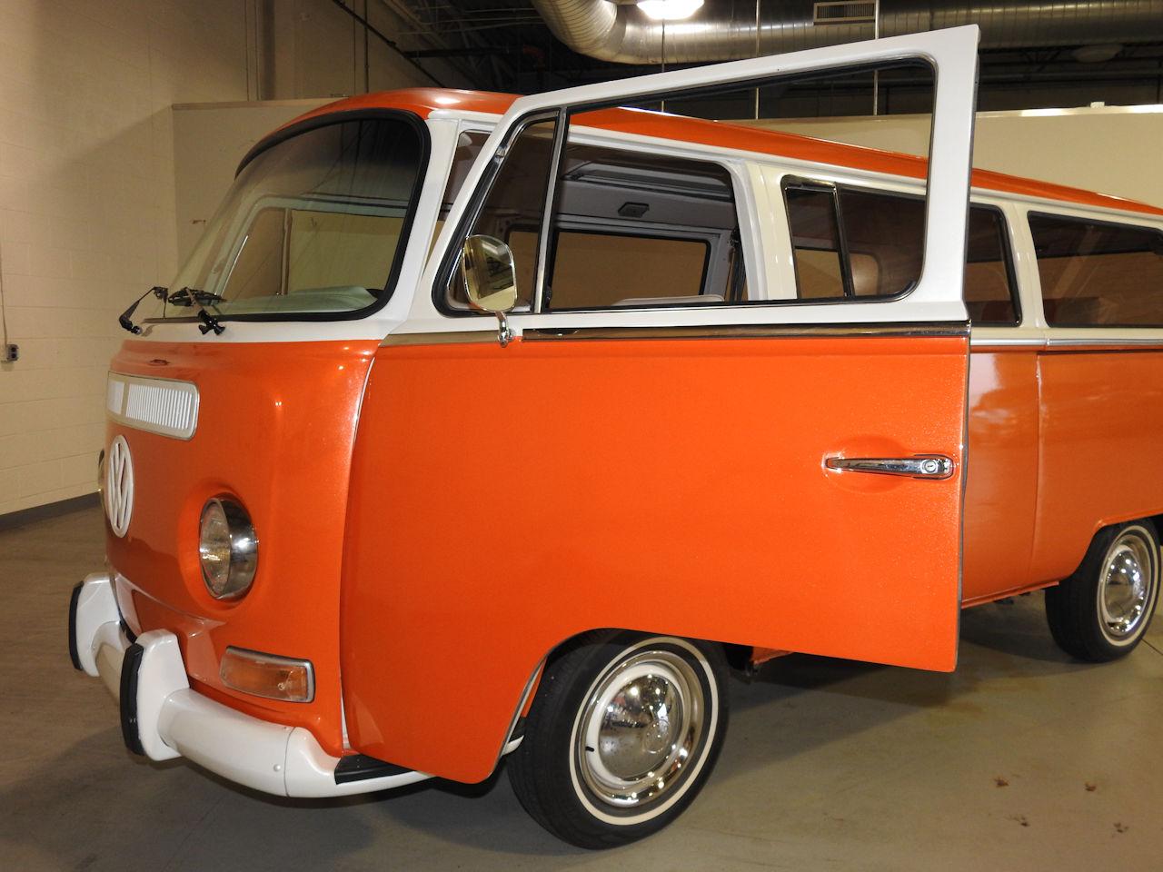 1969 Volkswagen Weekender 51